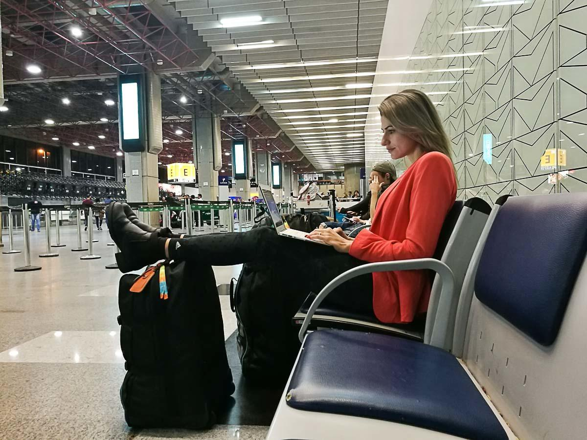 Traveling with a Laptop - All you need to know in an easy and practical guide